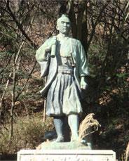 久米栄左衛門の銅像